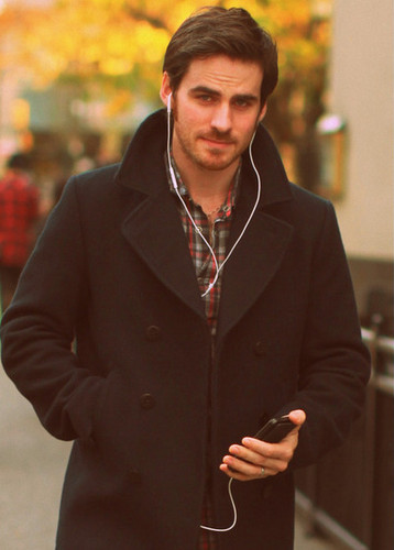 Colin O'Donoghue wallpaper containing a business suit titled Colin O'donoghue