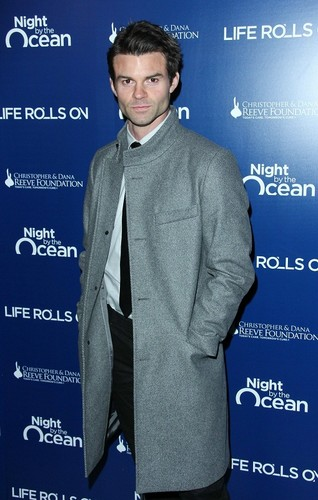 Daniel - The Life Rolls On Foundation's 9th Annual Night によって the Ocean - November 10, 2012