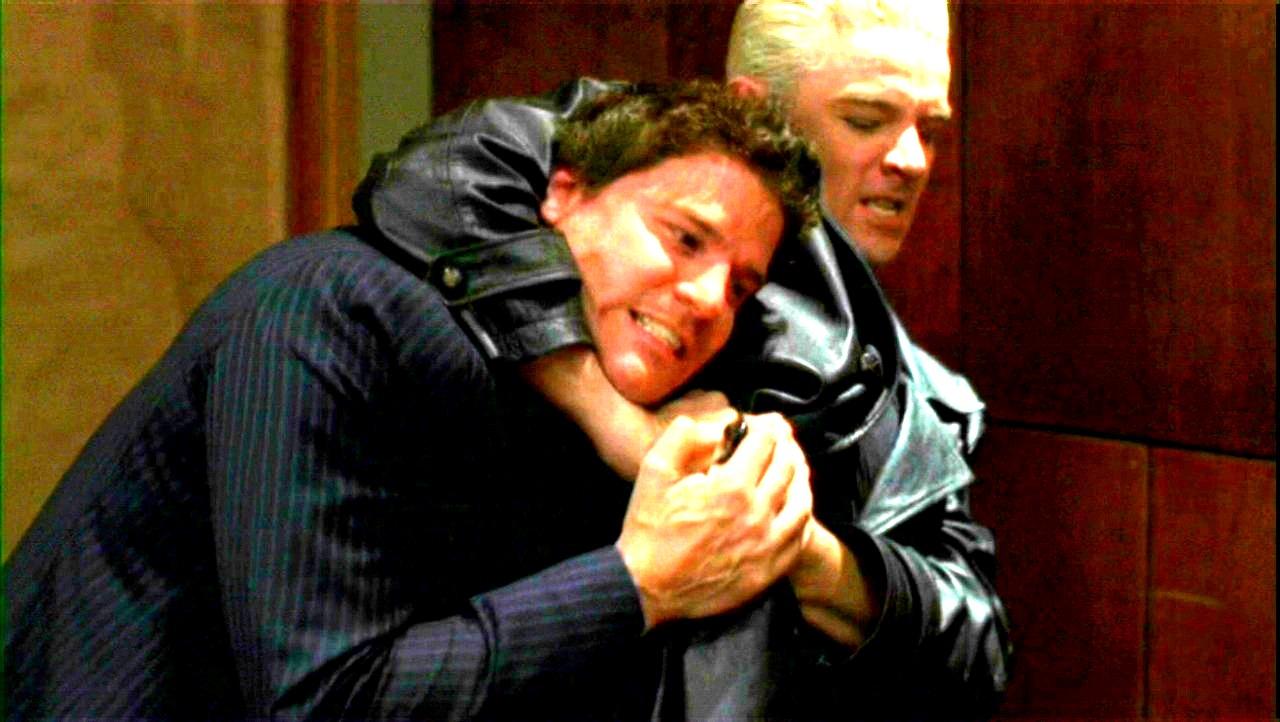 David Boreanaz as অ্যাঞ্জেল