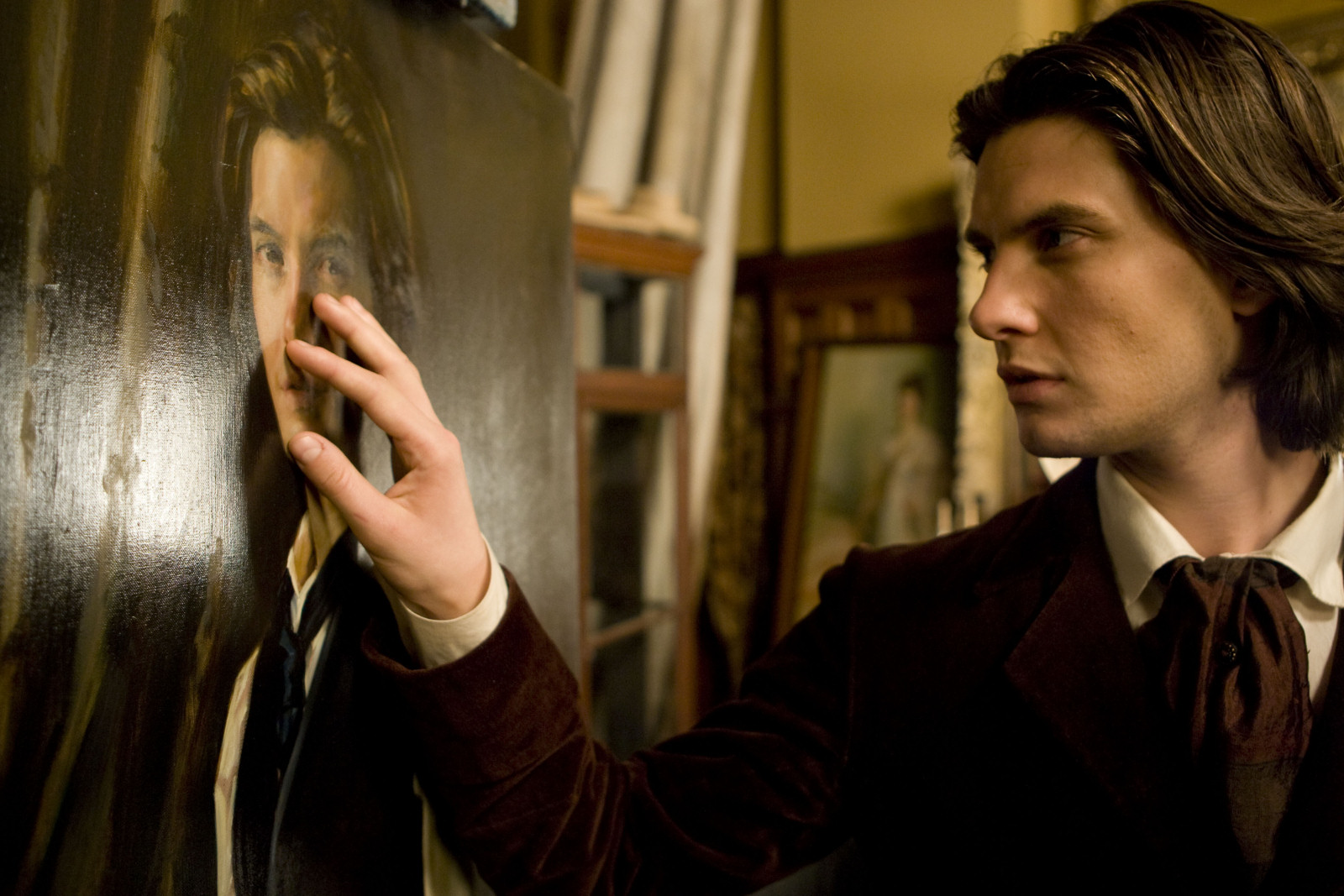 the picture of dorian grey character Character interview the picture of dorian gray was first published in 1890, at the end of the victorian era and at the height of the aesthetic movement art and literature that were part of this movement emphasized certain ideas that are.