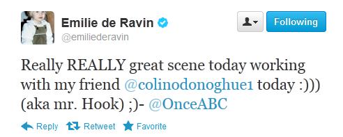 Emilie De Ravin (Belle) Tweet Belle/Hook Scene