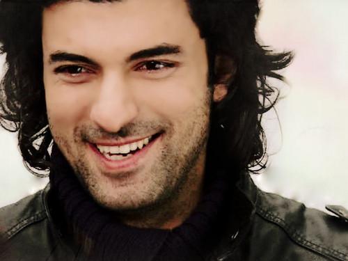 Engin Akyurek smile