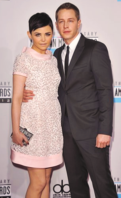 Ginnifer Goodwin and Josh Dallas at the 2012 American música Awards