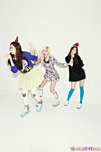 "Hellovenus 2nd mini album ""What are आप doing today"""