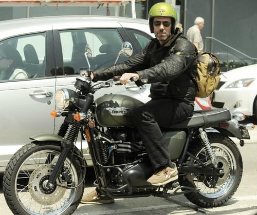 Hugh Laurie 2009