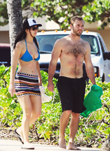 Jennifer Lawrence in Hawaii (21.11.12)