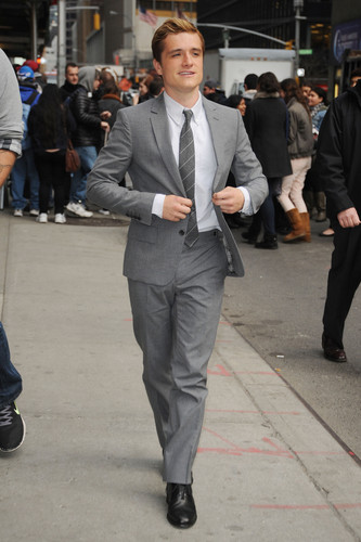 """Josh visits """"Late mostra With David Letterman [HQ]"""