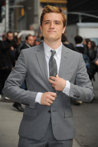 "Josh visits ""Late 表示する With David Letterman [HQ]"