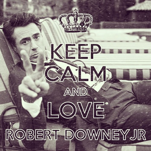 Robert Downey Jr. achtergrond probably with a sign called Keep calm