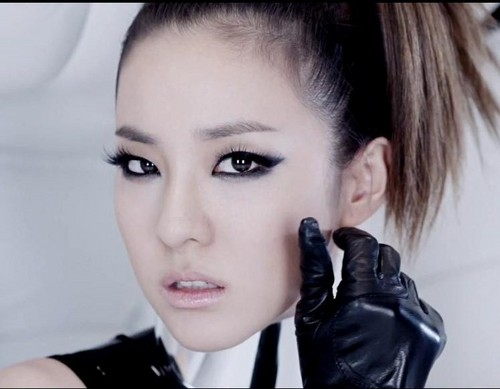 Korean girl band 2NE1 member Dara's I'm the best MV makeup