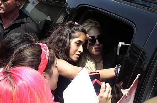 Lady Gaga says goodbye to Chile (signing autographs)
