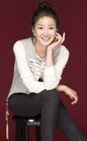 Lee Si Young cute smile