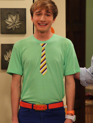 Marvin Marvin is an American science fiction slapstick comedy television series that aired from November 24 2012 to April 27 2013 The series stars Lucas Cruikshank