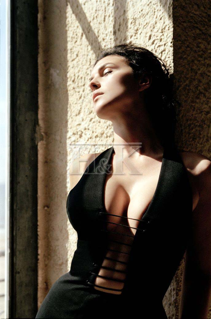 Monica Bellucci sexy shot