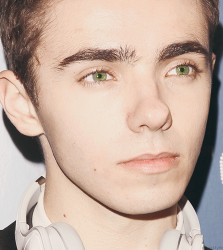 The Wanted Hintergrund possibly with a portrait called Nathan Sykes x