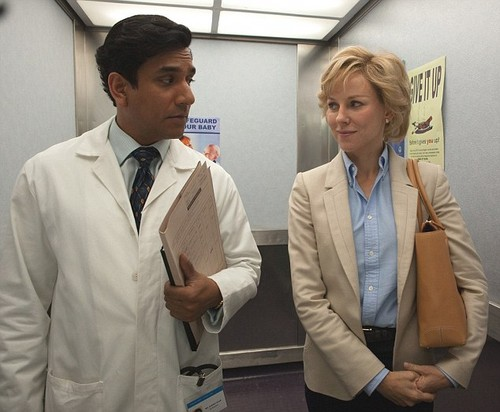 Princess Diana achtergrond with a business suit called Naveen Andrews plays hart-, hart surgeon Hasnat Khan in the film