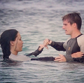 Peeta & Katniss-Catching feu
