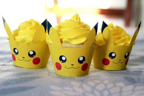 Pikachu wallpaper possibly with a cupcake called Pikachu Cupcakes