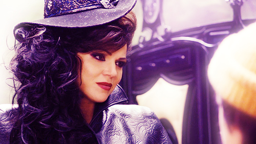 http://images6.fanpop.com/image/photos/32800000/Regina-the-evil-queen-regina-mills-32843690-500-281.jpg