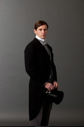 Downton Abbey wolpeyper containing a business suit, a suit, and a well dressed person entitled S3 Promo Pics