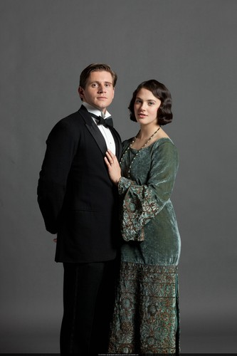 Downton Abbey wolpeyper possibly containing a business suit, a dress suit, and a well dressed person titled S3 Promo Pics