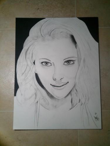 Scarlett in charcoal