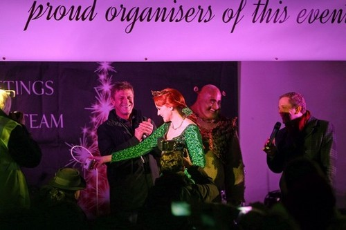 Sean Bean wallpaper with a concert called Sean Bean Turns on the Hampstead Christmas lights