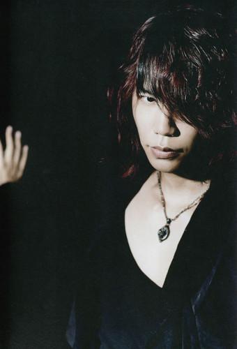 Shinya - MASSIVE magazine Vol. 8