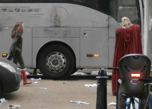 Thor 2 > Shooting at Greenwich University, 伦敦 (November 20th 2012)