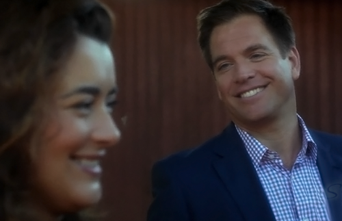 Tiva fondo de pantalla possibly with a business suit entitled Tony & Ziva 10x06