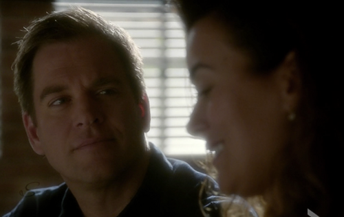 Tiva fondo de pantalla called Tony & Ziva 10x06