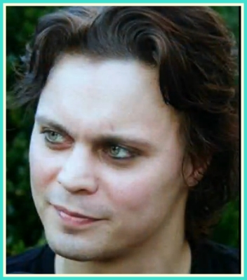 Ville Valo 壁纸 with a portrait called Ville's smile