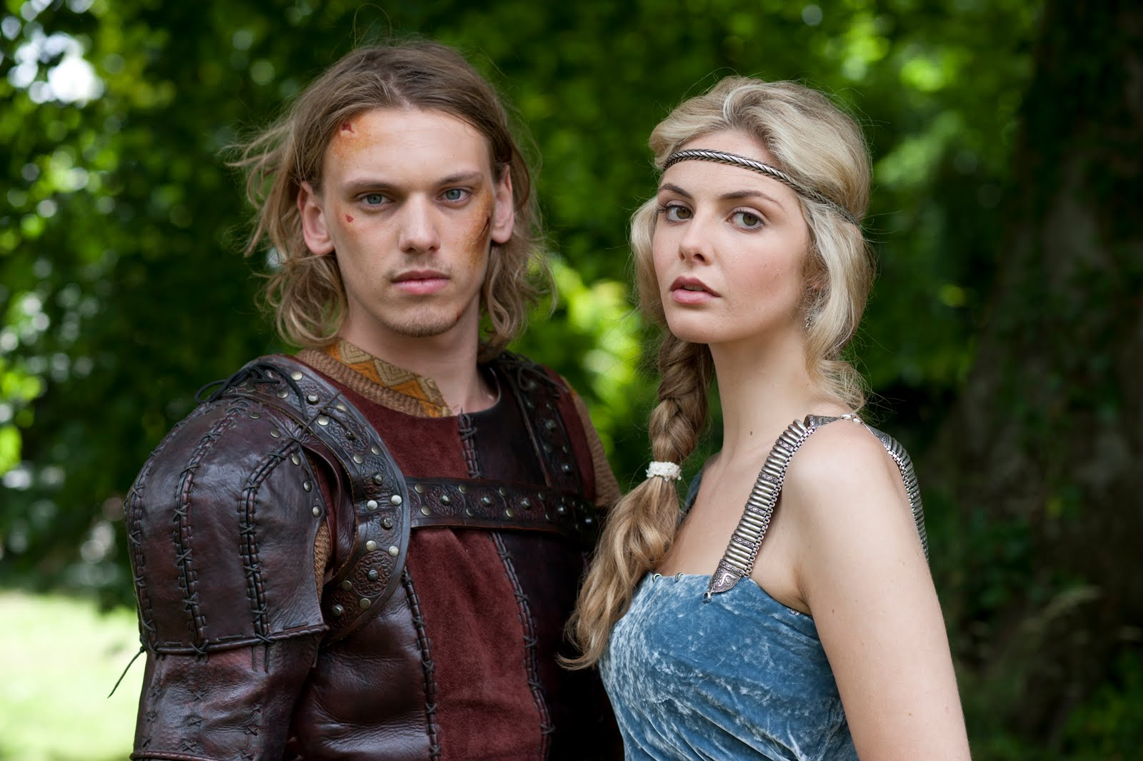 love triangle between king arthur guenevere and lancelot Don't make a scene: the representation of the arthurian love guinevere, and lancelot love triangle king arthur and.
