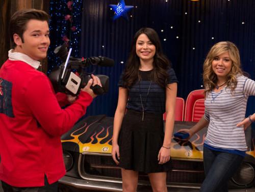 iCarly iGoodbye Final Episode Pics