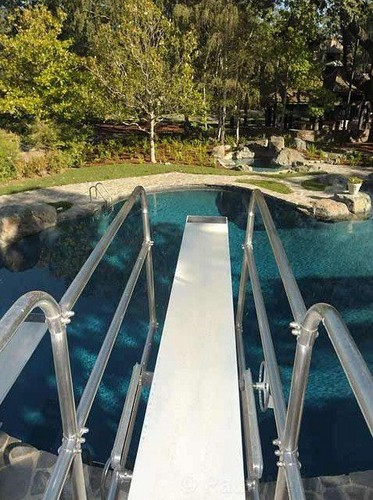 당신 know what diving board this is...