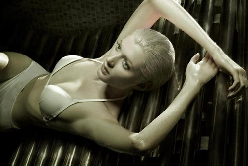 'The Perfect Body' Sophie Sumner oleh Jez Smith for Vogue Italia November 2012 [Editorial]
