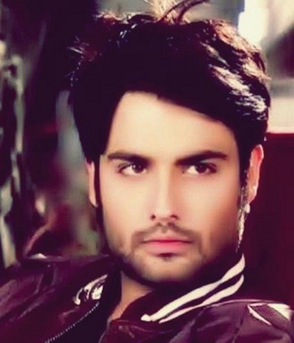 Vivian Dsena karatasi la kupamba ukuta possibly with a portrait entitled ღ Vivian Dsena