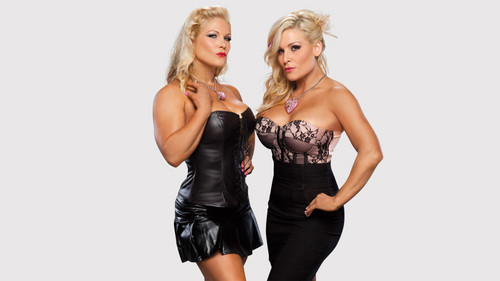 25 Days Of Divas - Beth Phoenix and Natalya