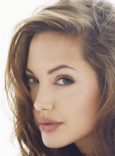 Angelina<3