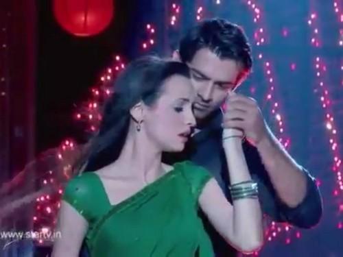 iss pyaar no kya naam doon fond d'écran titled Arnav and Khushi
