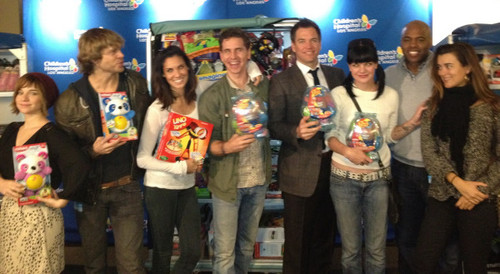 CBS Visits Children's Hospital LA for Annual Holiday Event 12/06/2012