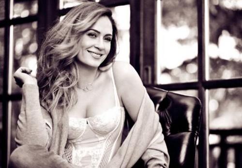 Ceyda Duvenci Elele magazine 写真 December 2012