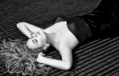 Ceyda Duvenci Hello magazine 写真 2012