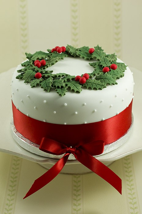 Christmas Wreath Cake Decorating