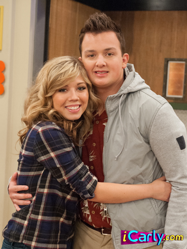 iCarly Обои possibly containing an outerwear, a well dressed person, and an overgarment titled Goodbye