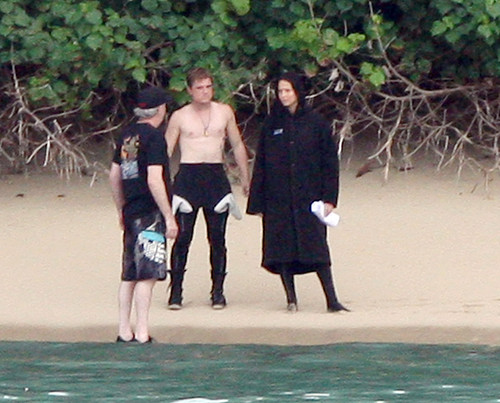 Jennifer Lawrence & Shirtless Josh Hutcherson: 'Catching Fire' Sea Scenes!