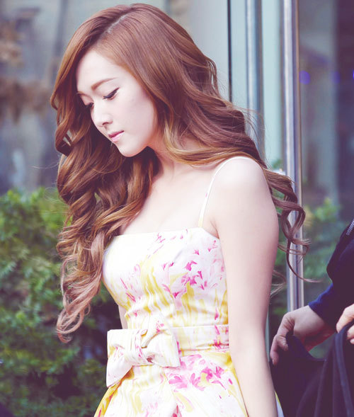 [LONGFIC] Cuộc đời của Tiffany Hwang ~ JeTi  Jessica-jessica-snsd-32920961-500-589