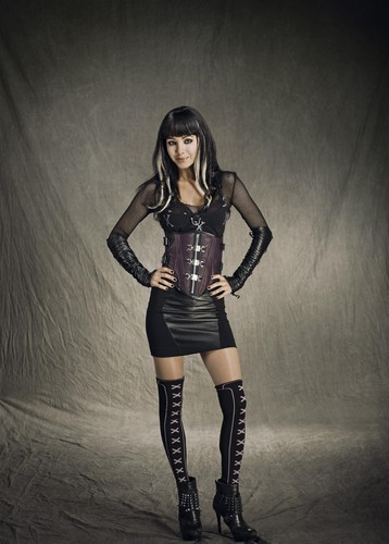 Lost Girl wallpaper possibly containing a hip boot entitled Kenzi