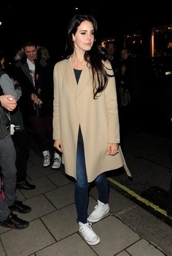 Lana Del Rey Arrives at Her Hotel