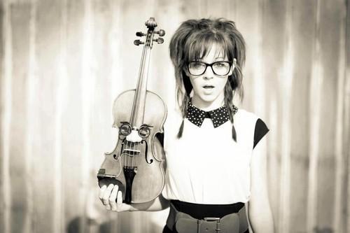 Lindsey Stirling 壁纸 with a 小提琴手, 暴力, 中提琴手 entitled Lindsey Stirling